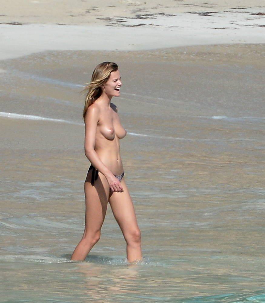 Edita Vilkeviciute Naked 10