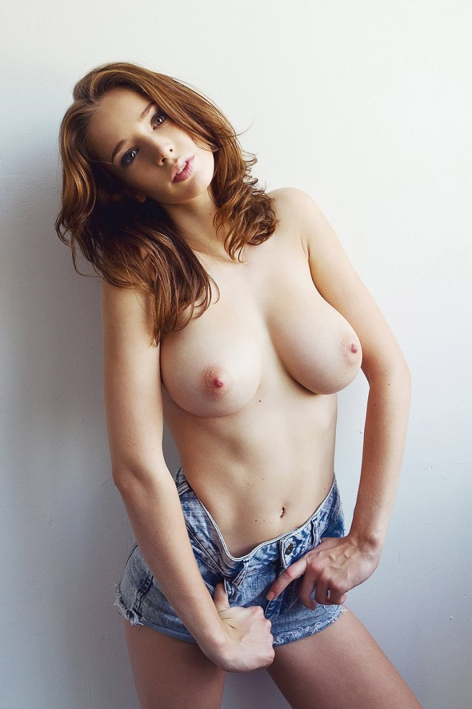 Emily Shaw Topless 05