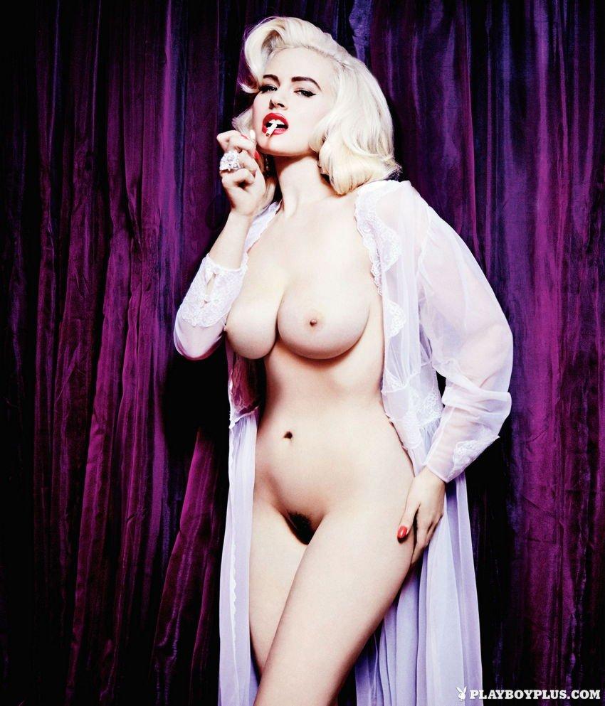 Gia Genevieve Naked (7 Photos)