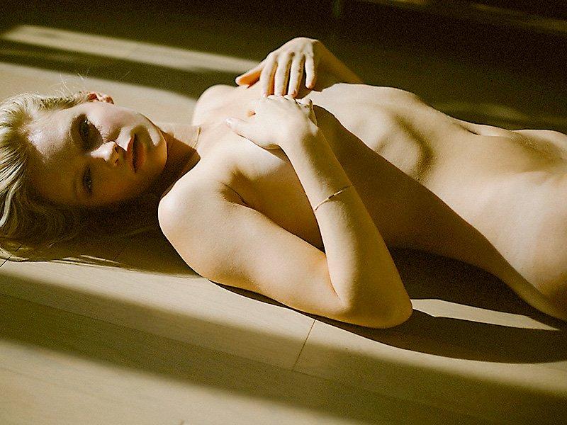 Isabella Farrel Naked 04