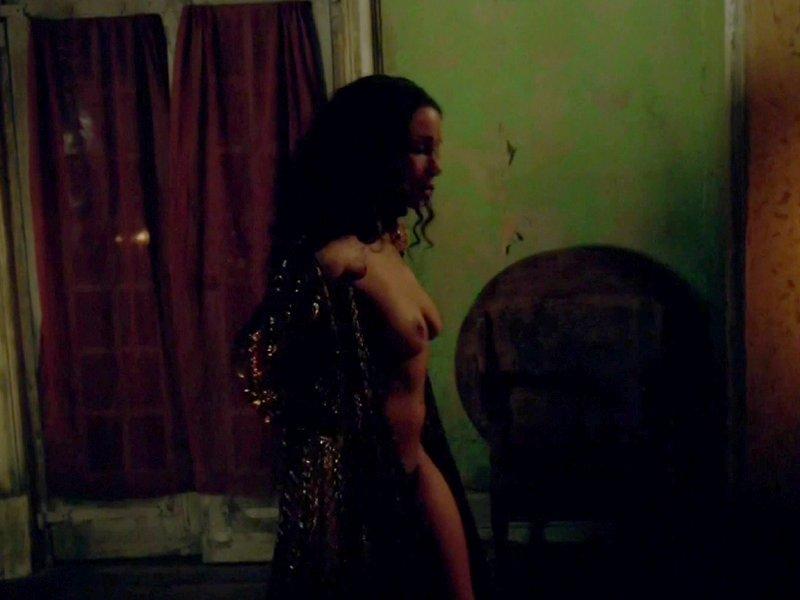 Jessica Parker Kennedy Naked 13