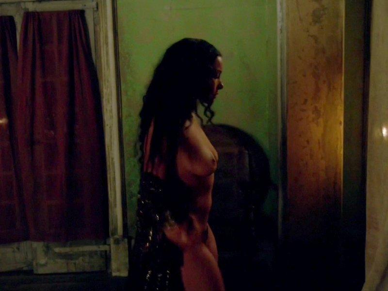 Jessica Parker Kennedy Naked 14