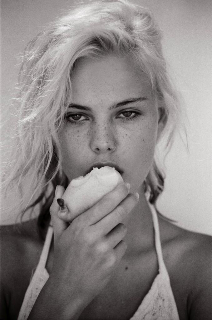 Julia Almendra Naked 02