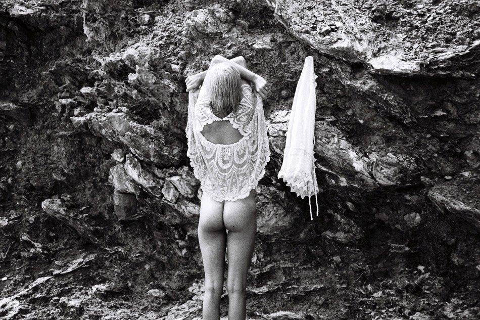 Julia Almendra Naked 18