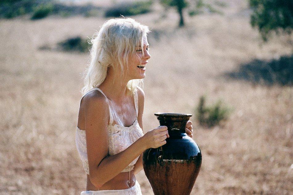 Julia Almendra Naked 22