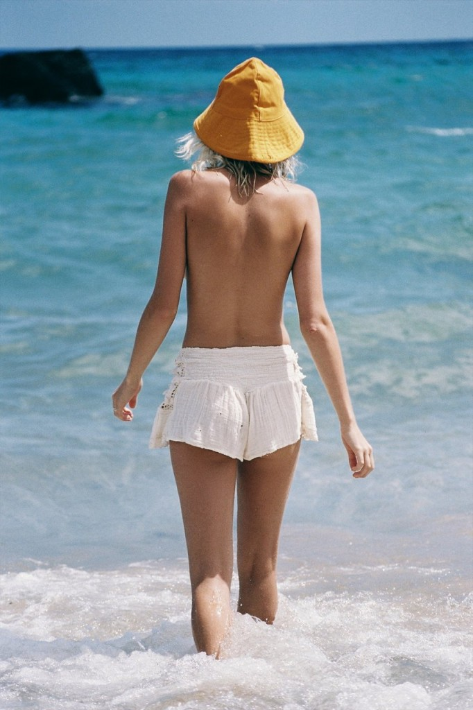 Julia Almendra Naked 33