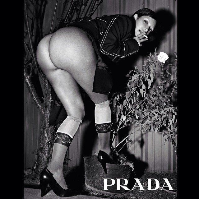 Kim Kardashian Naked (2 New Photos)