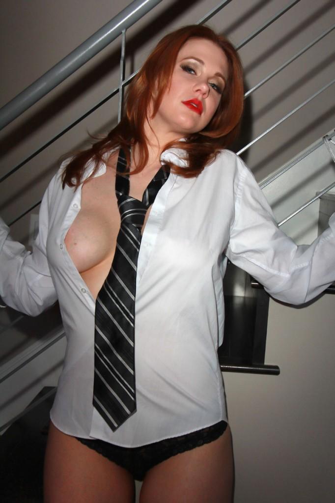Maitland Ward Tits (2 Photos)