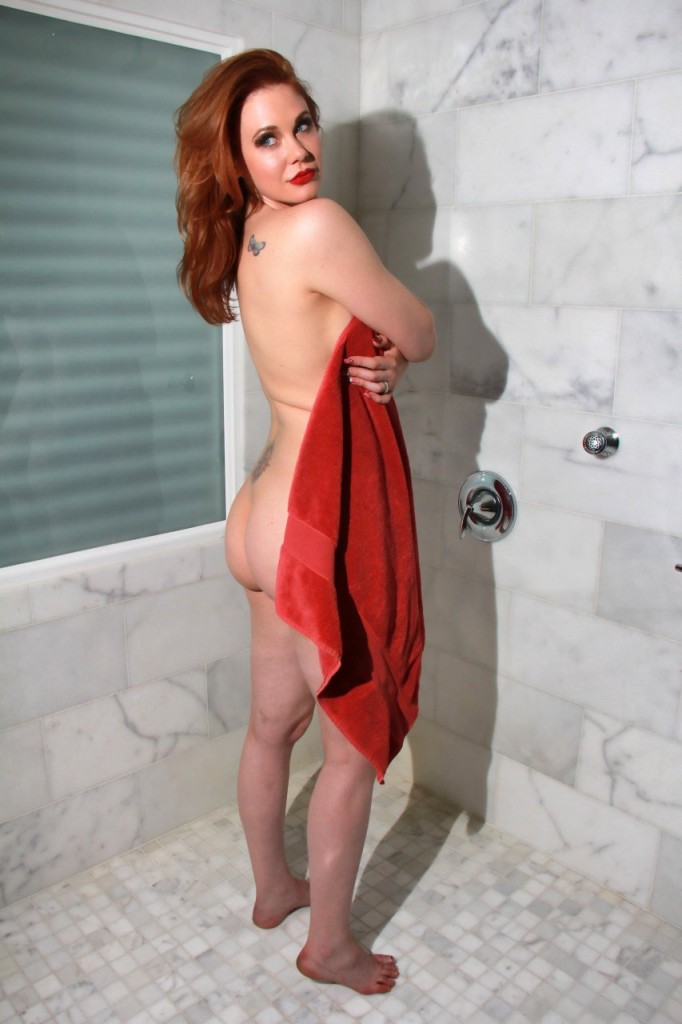 Maitland Ward Naked 030