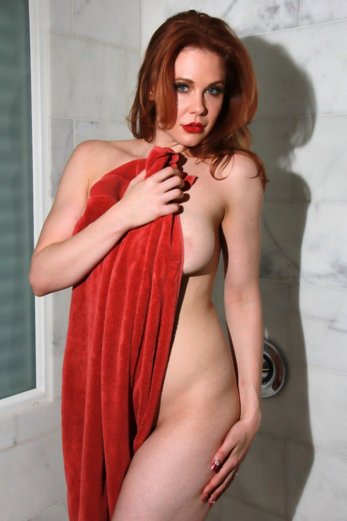 Maitland Ward Naked 043