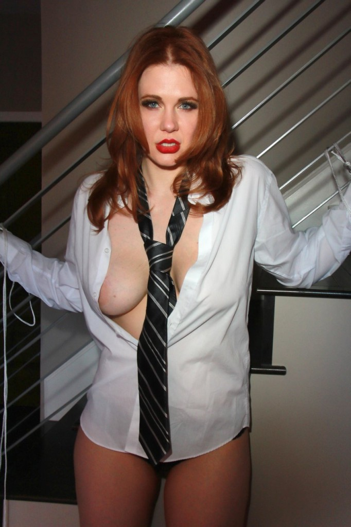 Maitland Ward Naked 080