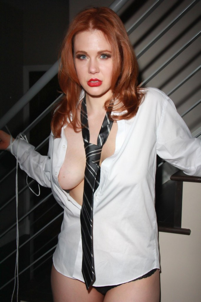 Maitland Ward Naked 081