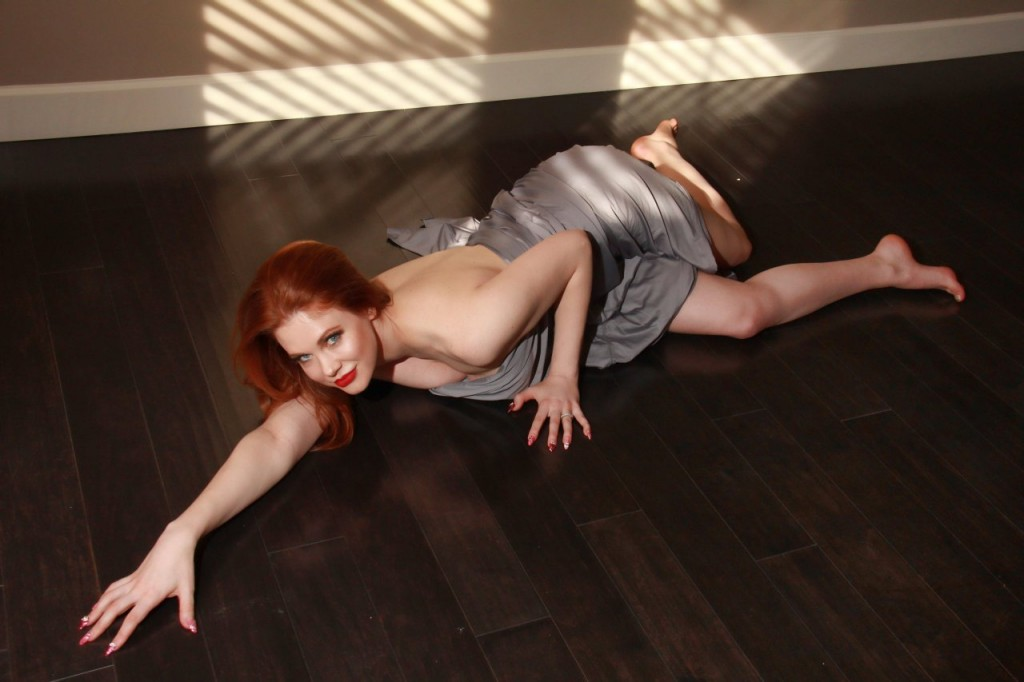 Maitland Ward Naked 106