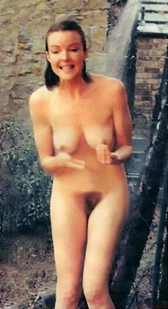 Marcia Cross Naked (5 Photos)