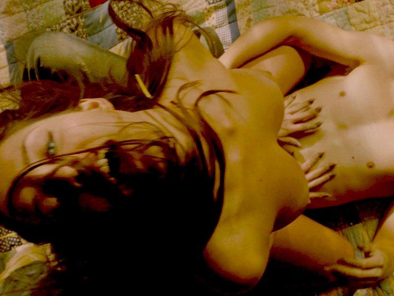 Merritt Patterson Topless (12 Pics + GIF & Video)