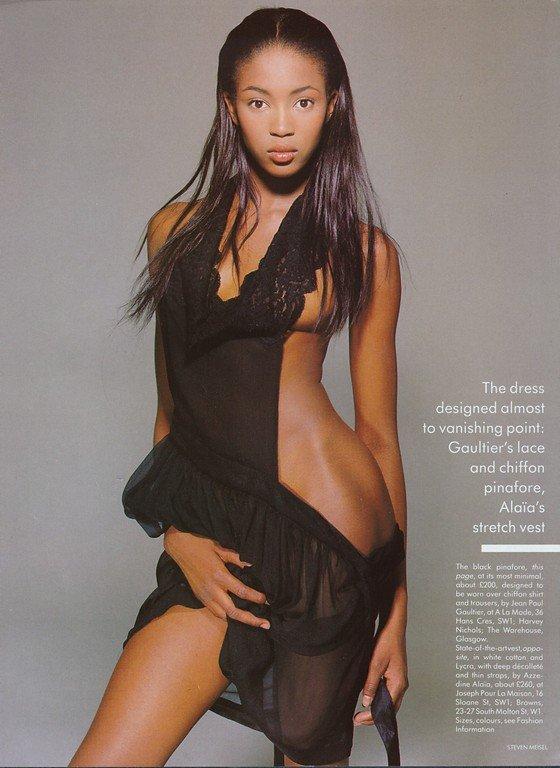 Naomi-Campbell-Naked-35.jpg
