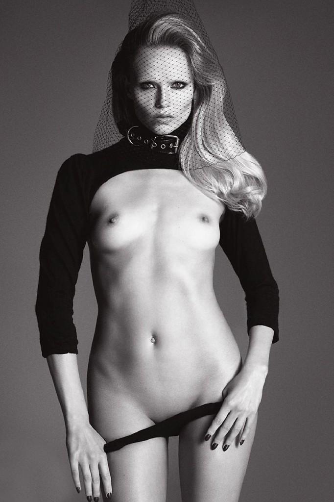 Natasha Poly Topless 01