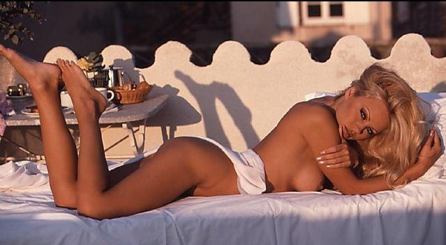 Pamela Anderson Naked (84 Photos)