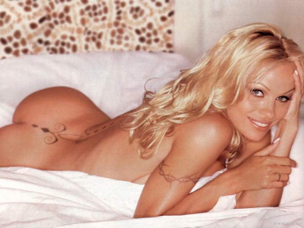 pam anderson nude ass