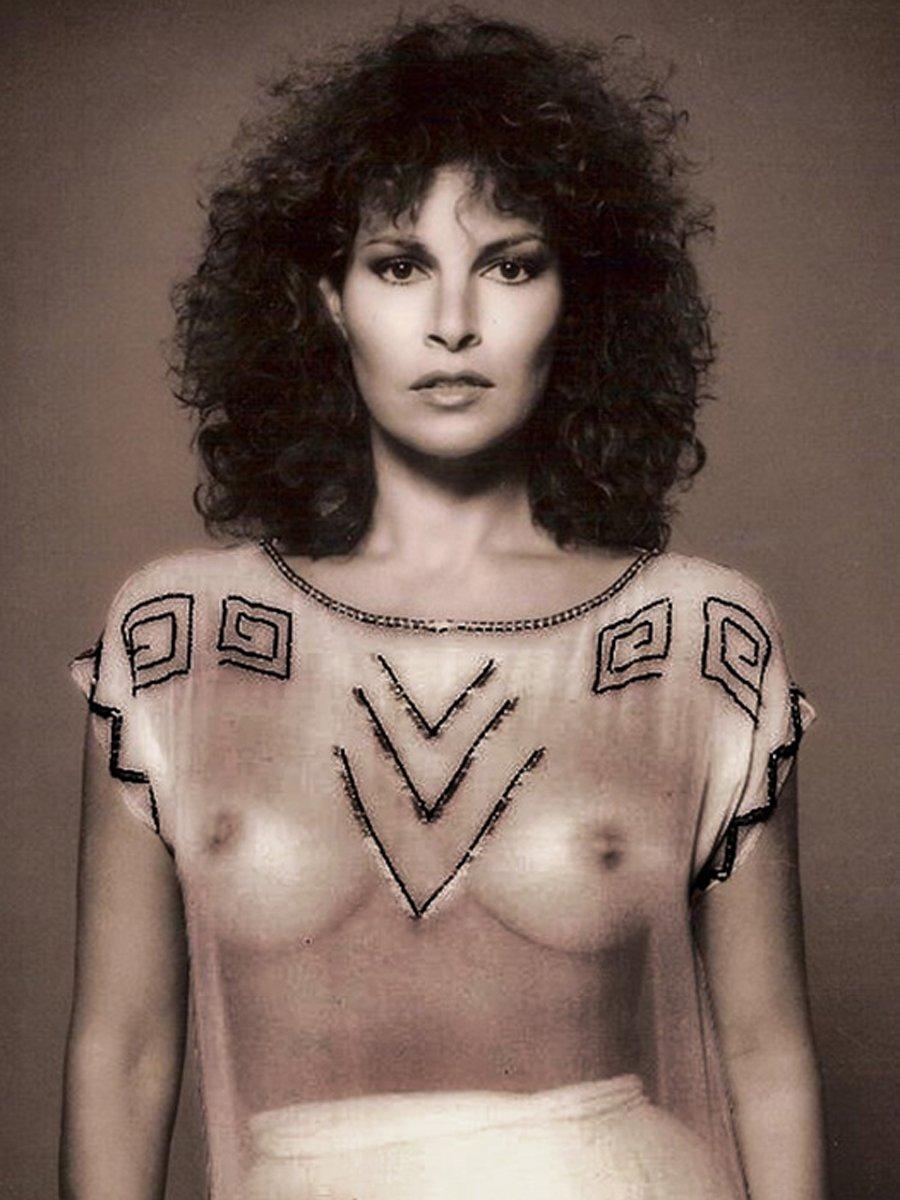 Nude raquel welch Raquel Welch