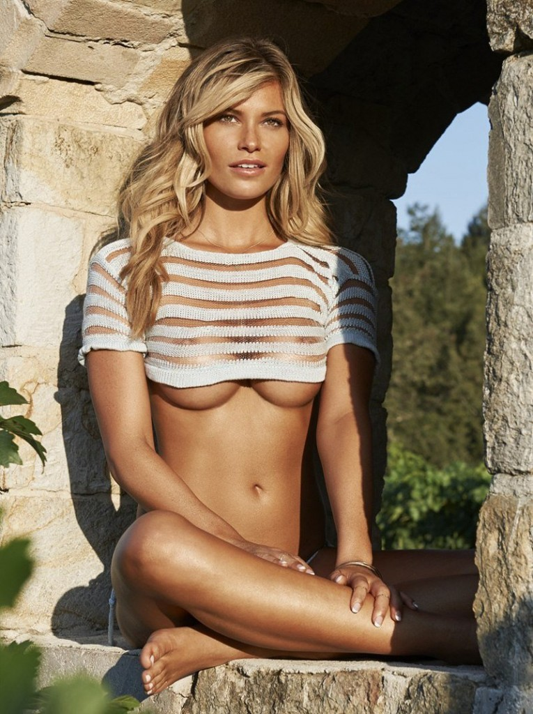 Samantha Hoopes Tits 01