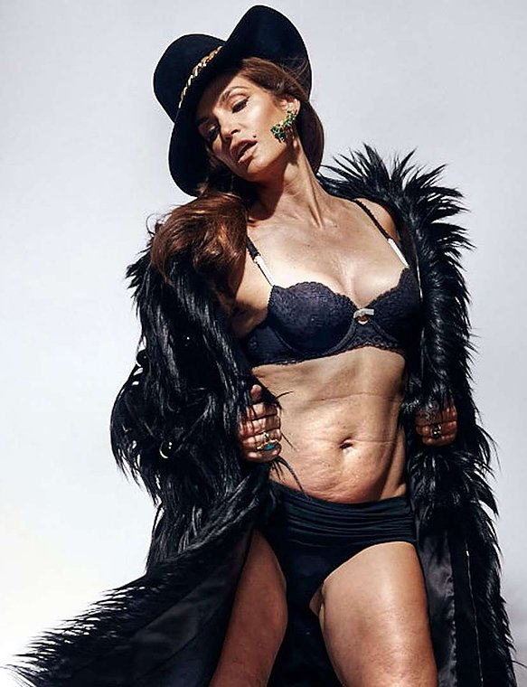 Cindy Crawford in Lingerie Before Photo Shopping (1 Photo)