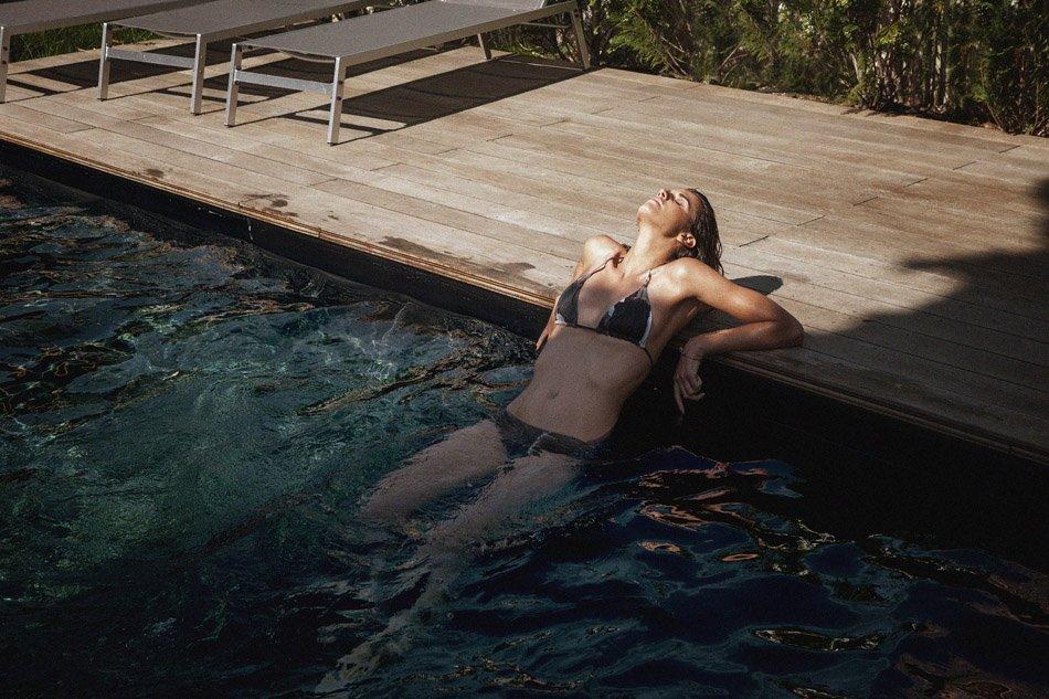 Alice Baton Topless 06