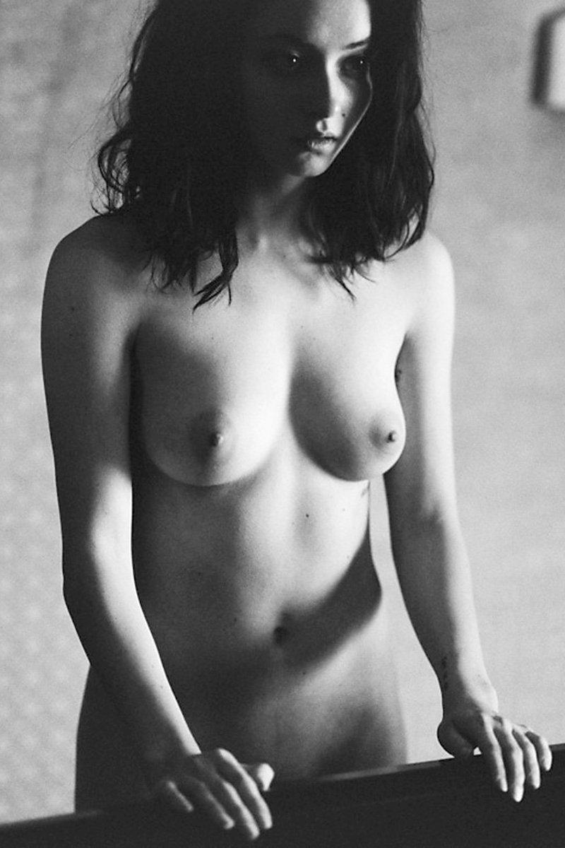 Alina Phillips aka Thumbelina Naked