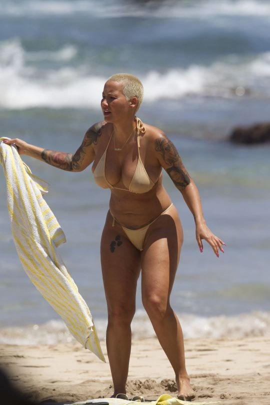 Amber Rose Topless 11
