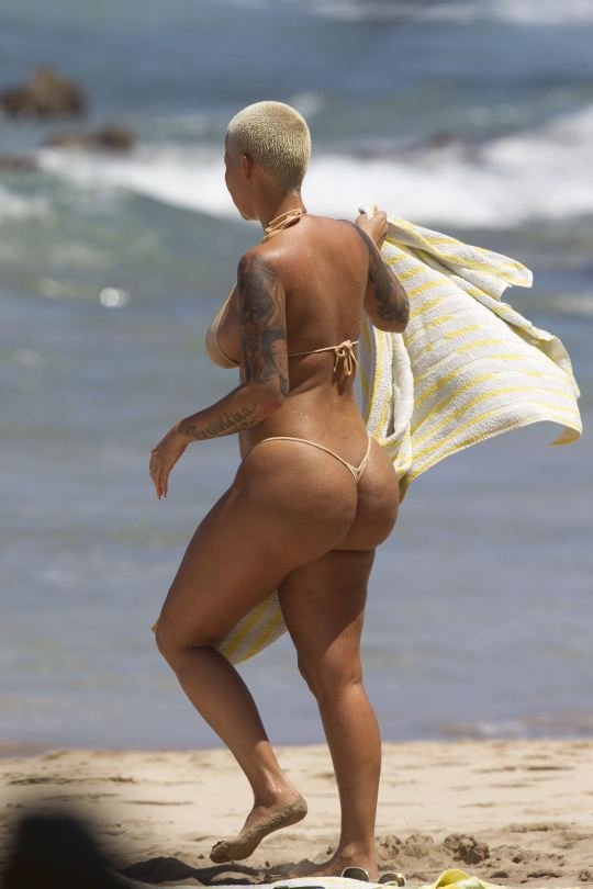Amber Rose Topless 13