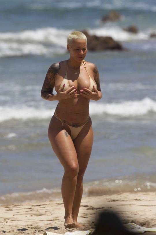 Amber Rose Topless 14