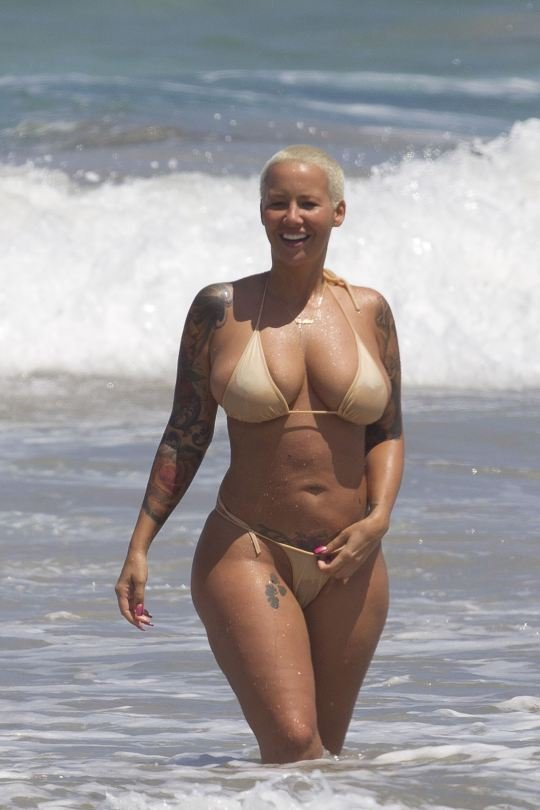 Amber Rose Topless 16
