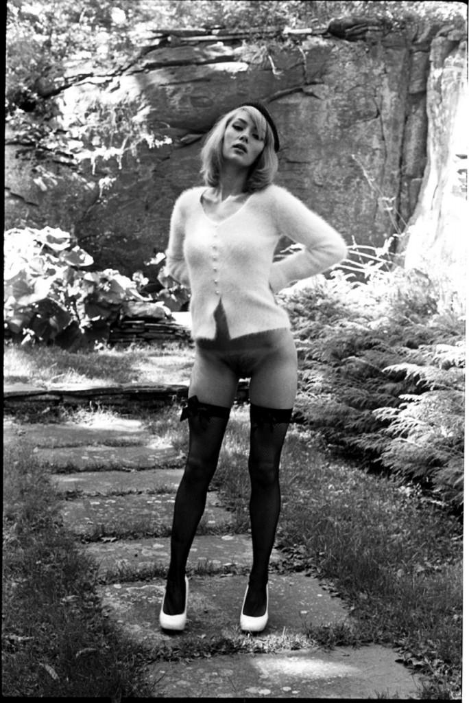 Amy Nicole Hood Naked 01