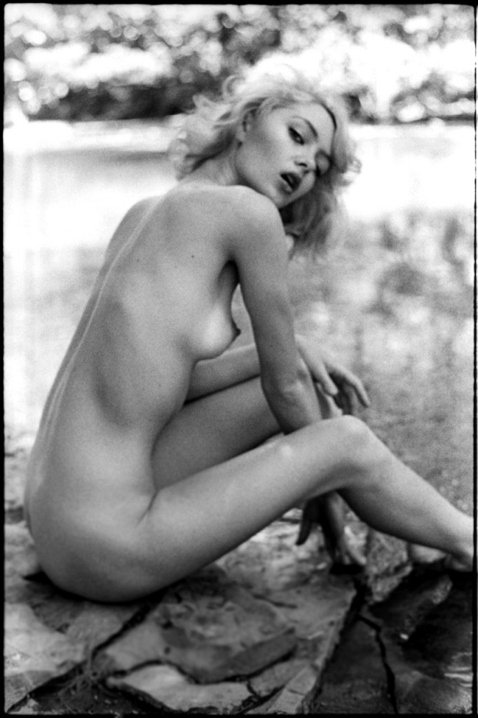 Woodstock topless girls - 4 7