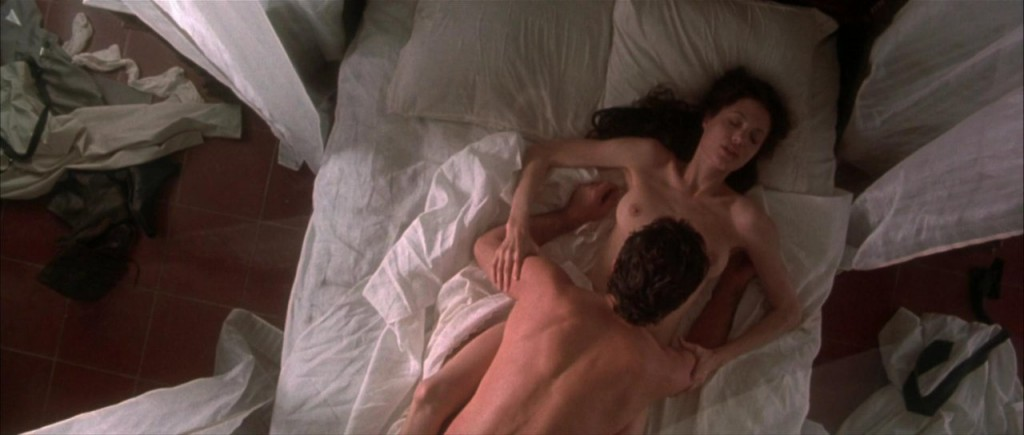 angelina jolie nude movie scene № 57049