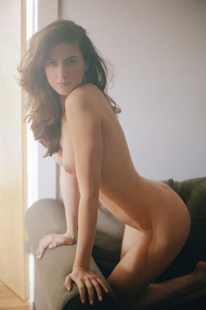 Cameron Davis Naked 01
