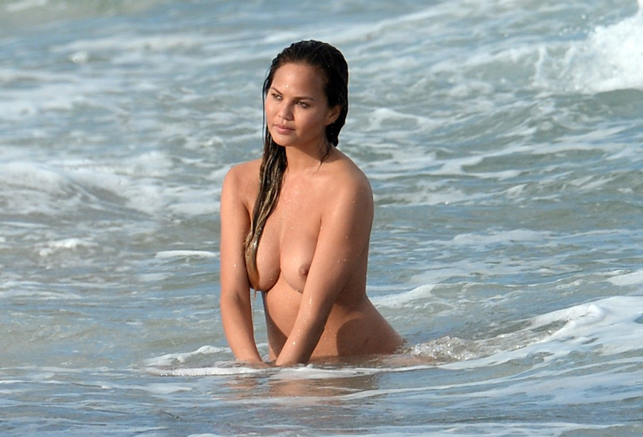 naked midget girl fucked in ass