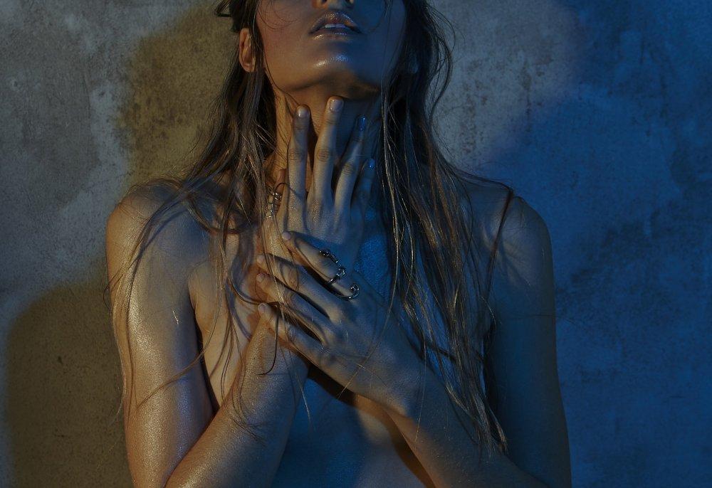 Ciara Turner Topless (8 Photos)