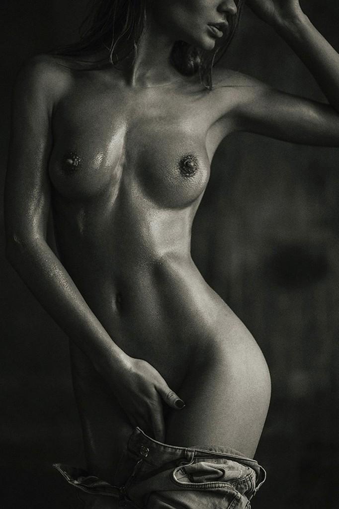 Ekaterina Zueva Naked 01