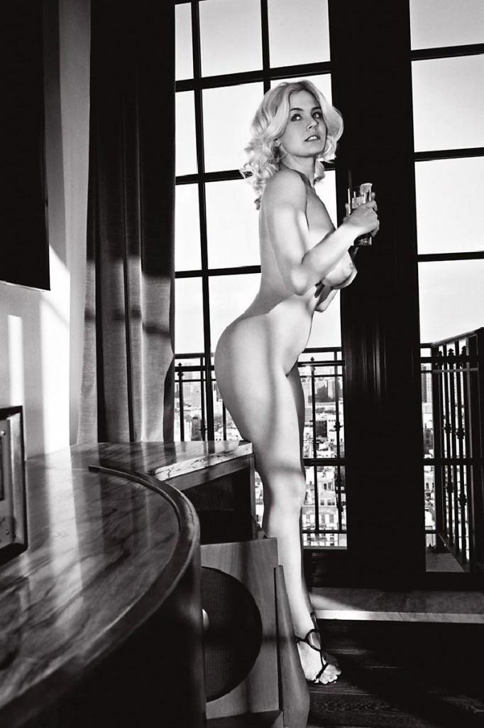 Gia Genevieve Naked 02
