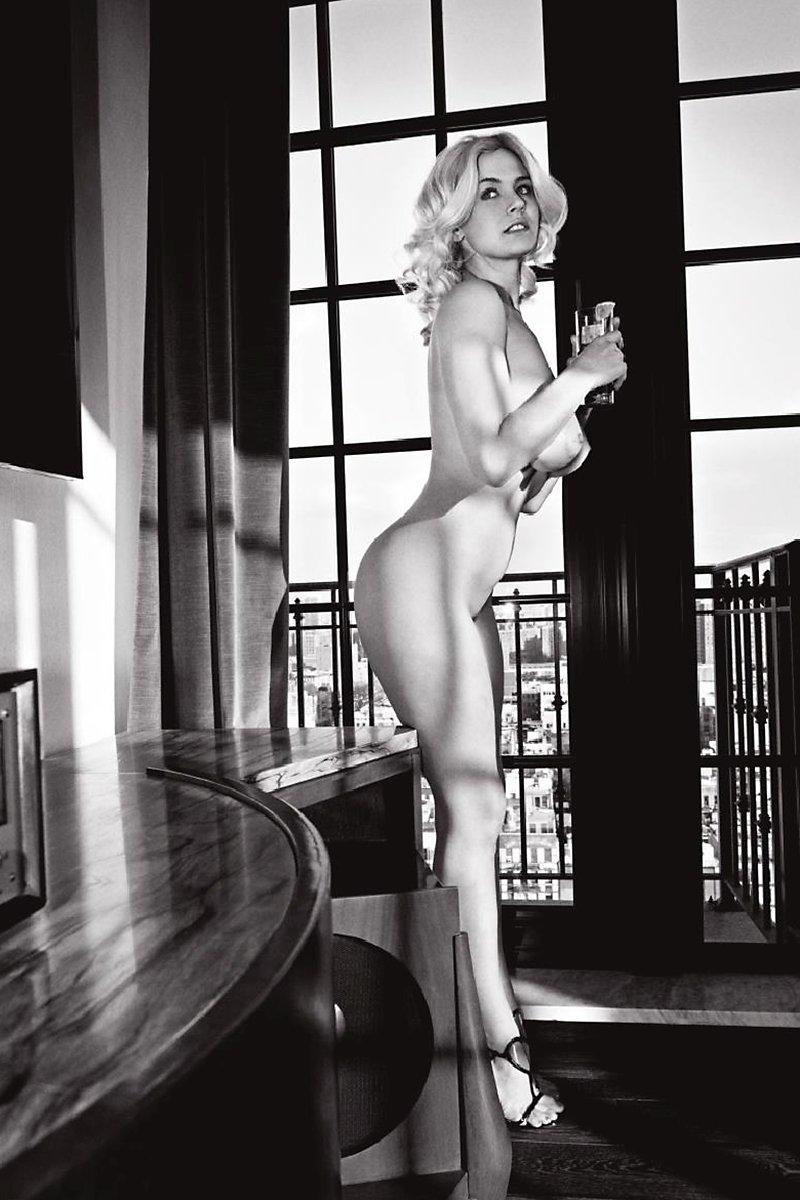 Nude bodies like nicole coco austin