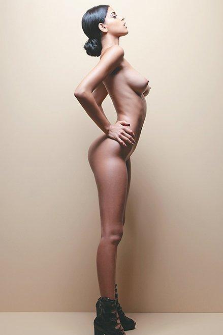 Isabella Obregon Naked 03