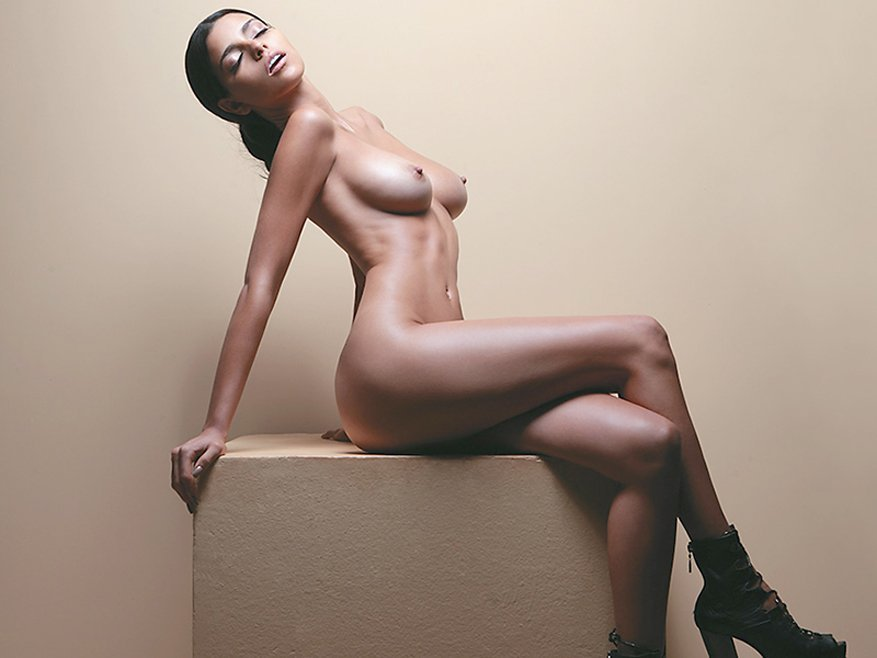 Isabella Obregon Naked 09