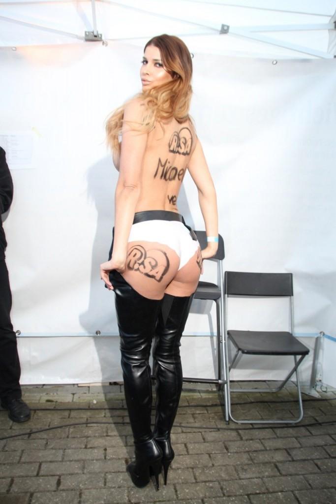 Micaela Schäfer Naked (8 New Photos)