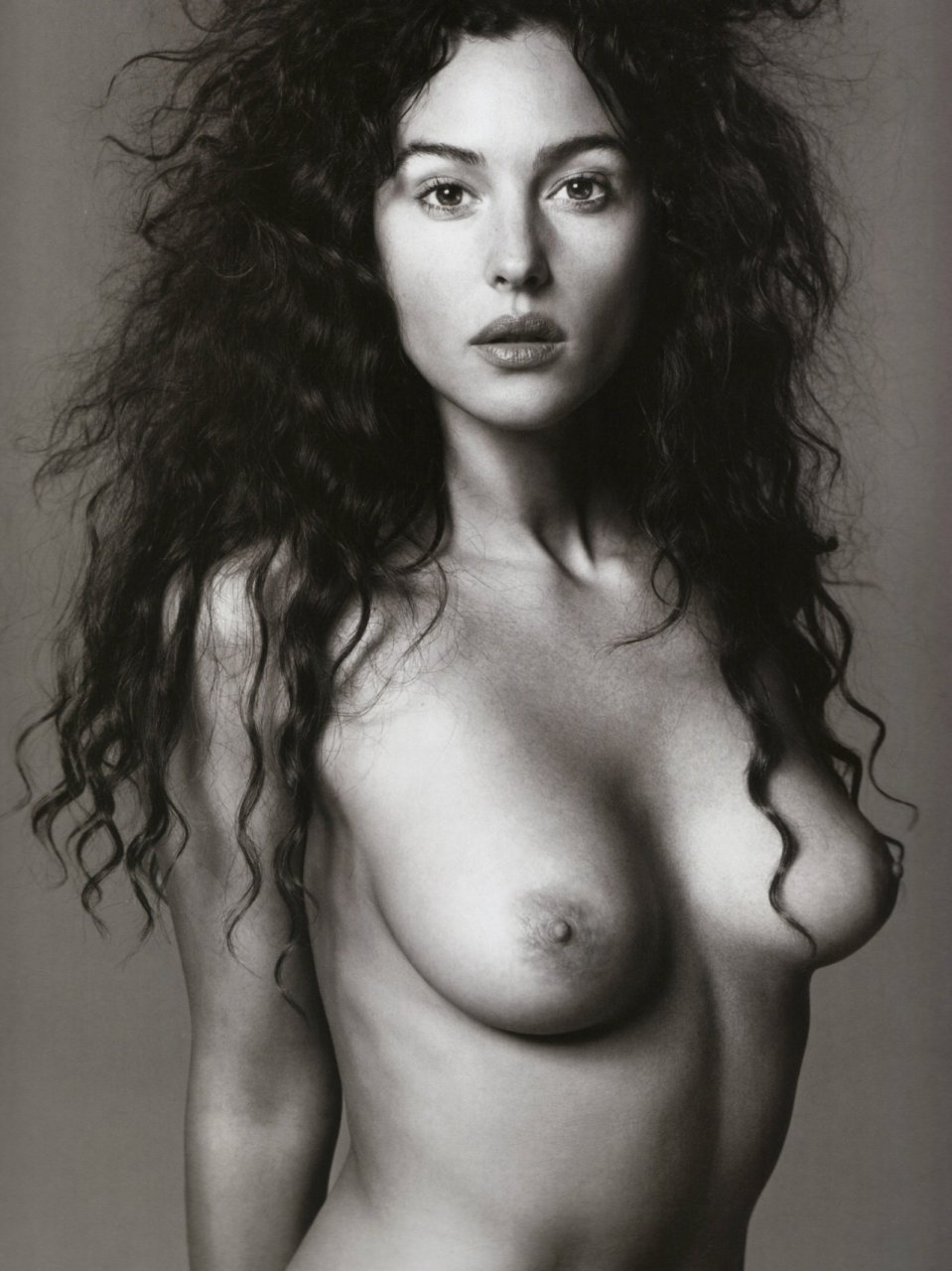 bellucci topless Monica