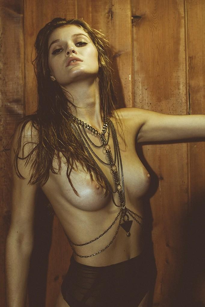 Rebekah Underhill Topless 01