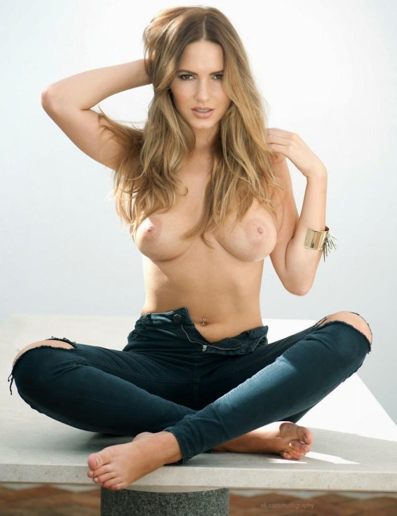 Phoebe Tonkin Topless