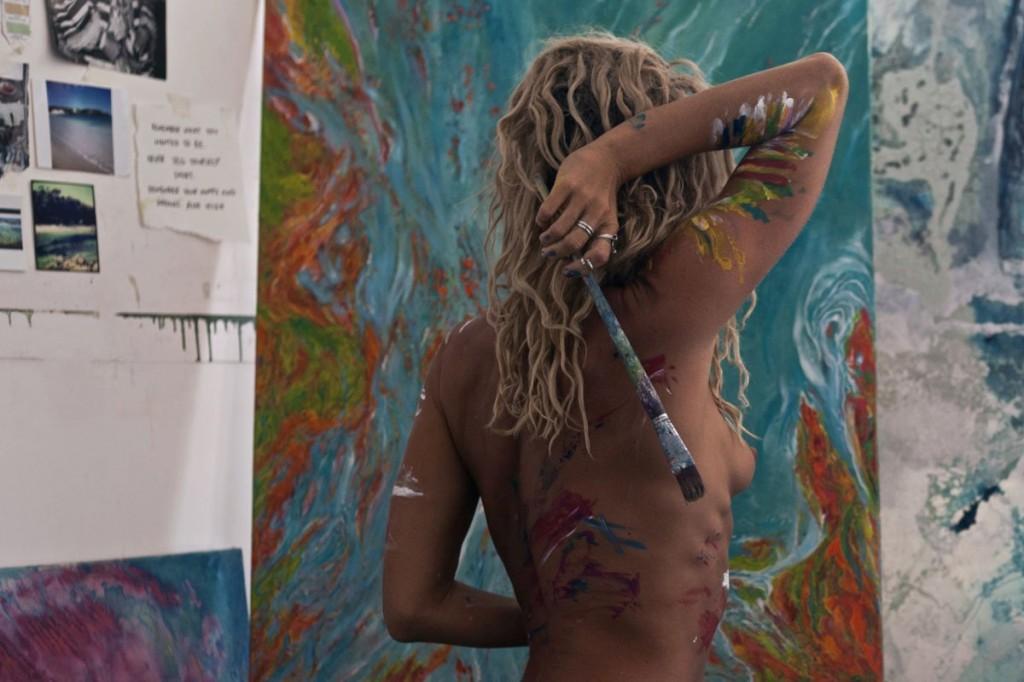 Sally Mustang Topless (14 Photos)
