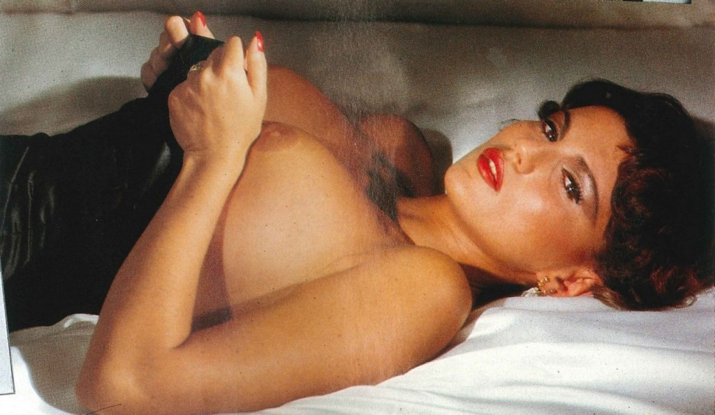 Serena Grandi Topless (13 Photos)