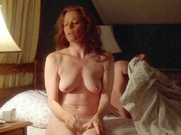 nude photos of sigourney weaver
